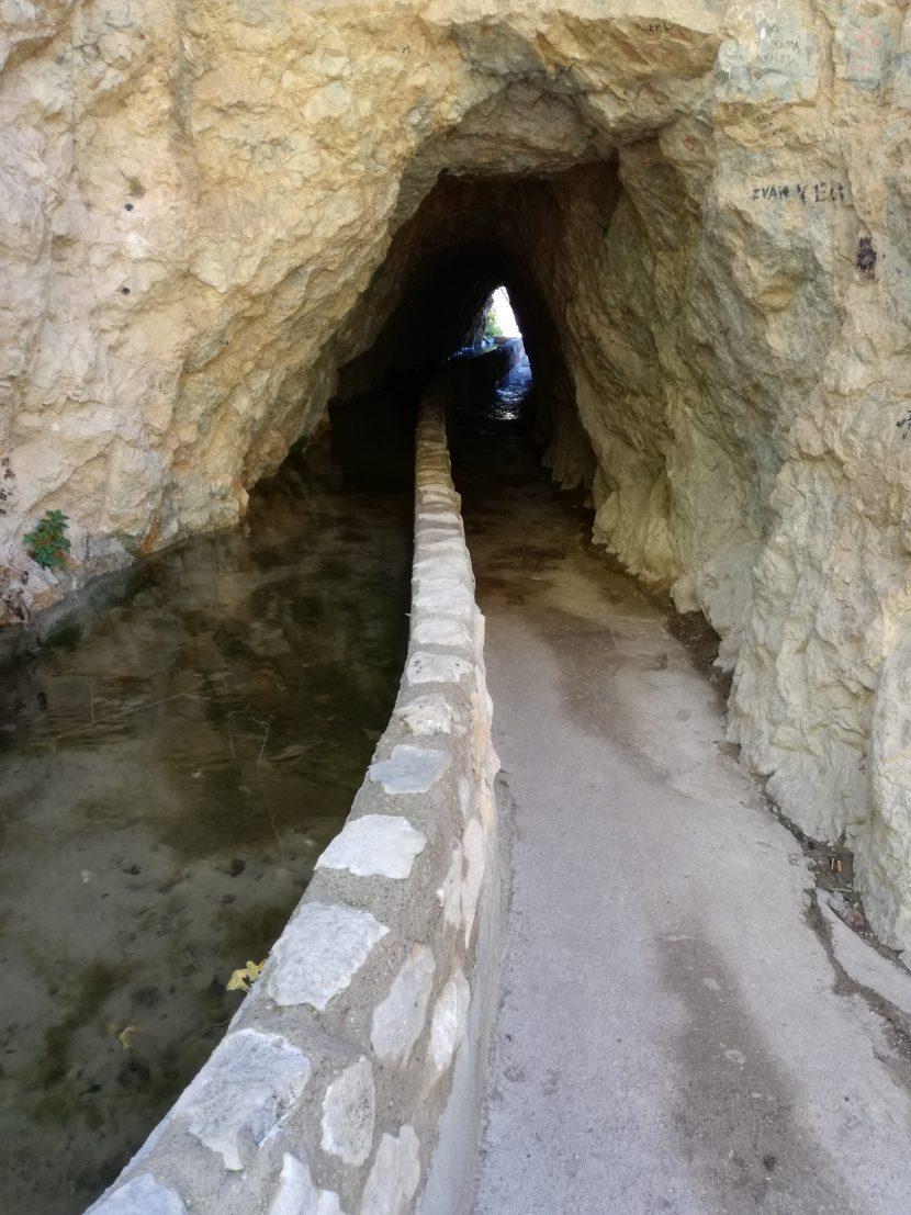 La cueva del agua tiscar quesada sierra de cazorla casas cueva